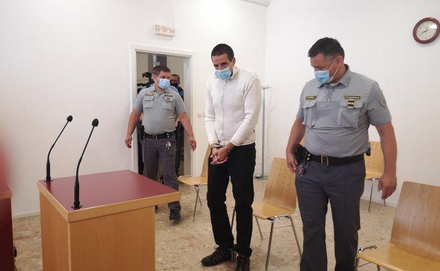 Andrej Vrščaj krivde za umor in hudo telesno poškodbo ni priznal. FOTO: Mojca Marot