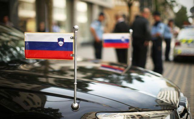 Slovenija je zapirala veleposlaništva in tudi tako slabila svoj položaj v svetu. Foto: Jure Eržen