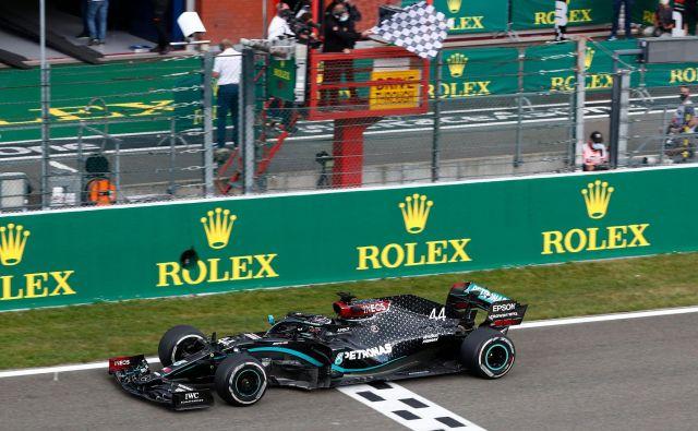 Lewis Hamilton neustavljivo drvi k četrtemu zaporednemu in skupno sedmemu naslovu svetovnega prvaka v formuli 1. FOTO: Francois Lenoir/AFP