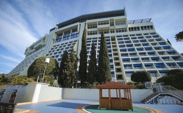 Država je državnim hotelom z boni zelo pomagala. Foto Jože Suhadolnik