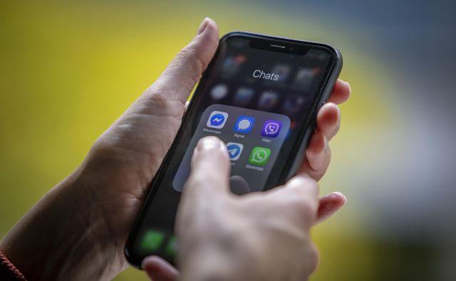 80 odstotkov posameznikov je lani s chatbotom komuniciralo, ker so kot potrošniki iskali informacije in podporo pri določenem podjetju. Leto pred tem je bil ta delež 67-odstotni. FOTO: Voranc Vogel