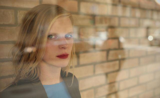 Maruša Majer, slovenska gledališka in filmska igralka, nastopa v manjšinski slovenski koprodukciji <em>Oaza</em>. FOTO: Jure Eržen/Delo