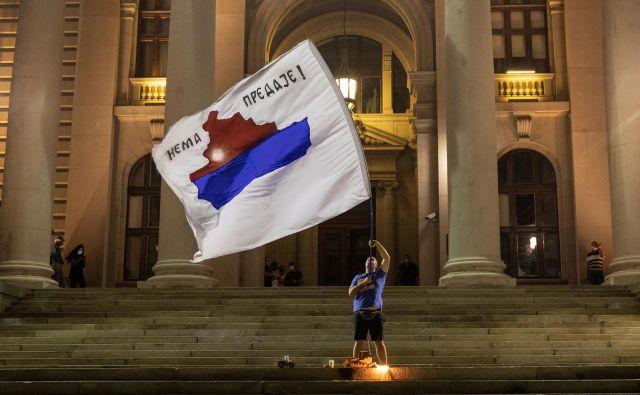 Vprašanje je, ali imata Washington in Bruselj rešitev za stare spore med Prištino in Beogradom. Foto: Marko Djurica/Reuters