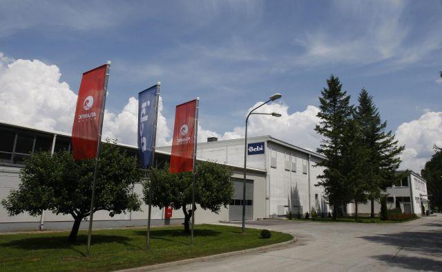 Proizvodna lokacija za znamko Bebi v Mirni na Dolenjskem ni del prodajne pogodbe in ostaja v sistemu Atlantic Grupe. FOTO: Blaž Samec/Delo