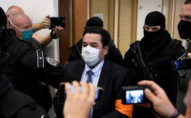 Slovaški poslovnež, obtožen naročila umora novinarja Jána Kuciaka in njegove zaročenke, je bil spoznan za nedolžnega. FOTO: Radovan Stoklasa/Reuters