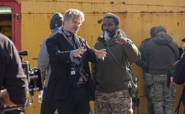 Christopher Nolan daje napotke Johnu Davidu Washingtonu.  FOTO: arhiv studia