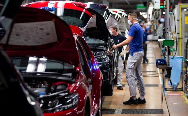 Nemški avtomobilski trg je avgusta precej upadel. FOTO: Swen Pfoertner/Reuters