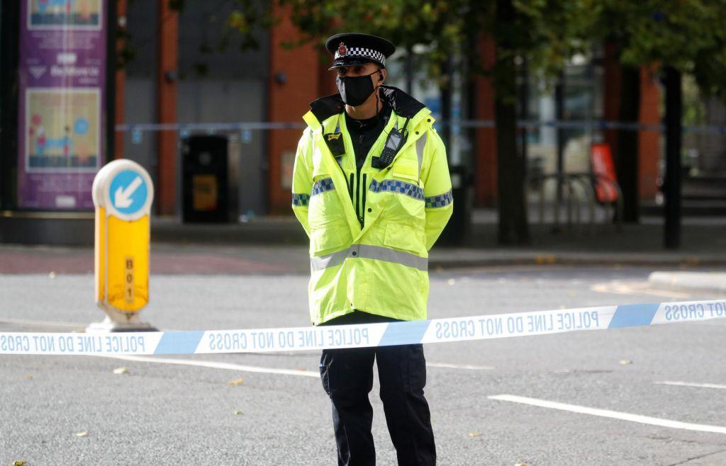 V Birminghamu zabodenih več ljudi