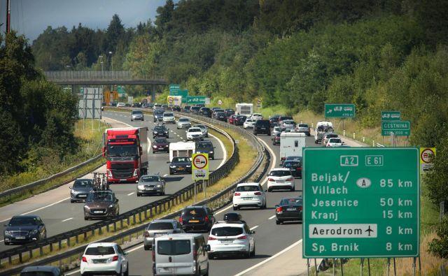 Gost promet in zastoji bodo v prihodnjih tednih stalnica na delu gorenjske avtoceste. FOTO: Jure Eržen/Delo