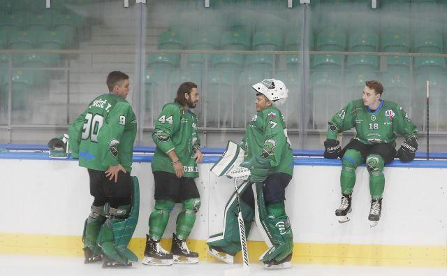 Hokejisti SŽ Olimpije napredujejo iz tekme v tekmo. FOTO: Leon Vidic