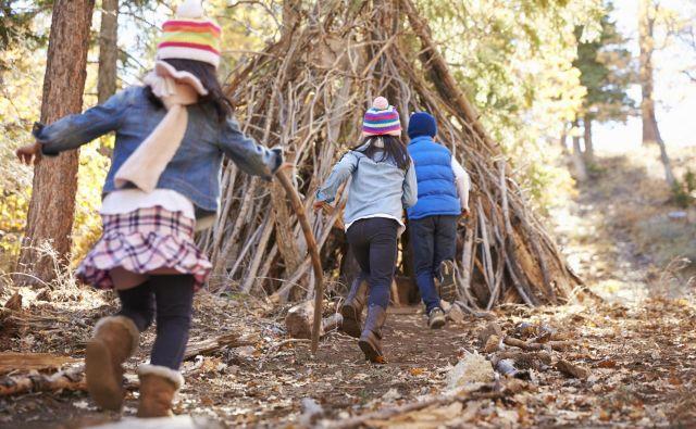 Otroci uživajo v naravi.  <br /> Foto: Getty Images/istockphoto