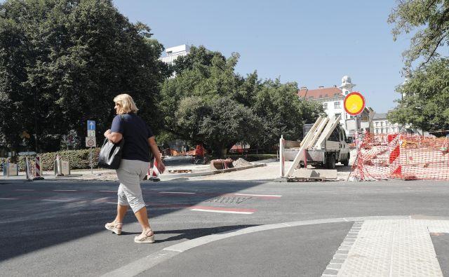 Sočasna prenova Tavčarjeve in zaščitenega Miklošičevega parka FOTO: Uroš Hočevar/Delo