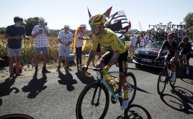 Primož Roglič je dočakal bolj umirjen dan v rumeni majici.<br /> FOTO: Stephane Mahe/Reuters