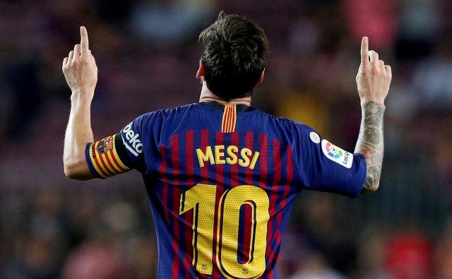 Glavno vprašanje pred začetkom španske sezone: kako motiviran bo zares Lionel Messi, če bo ostal v majici Barcelone? FOTO: Albert Gea/Reuters