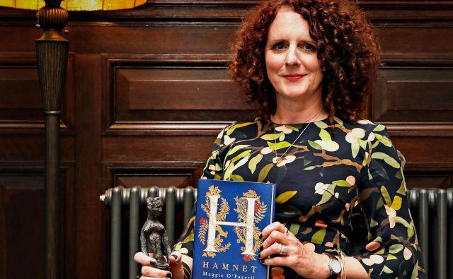 Hanet je osmi roman Maggie O'Farrell, za dva prejšnja je že prejela nagradi Somerseta Maughama in nagrado costa.