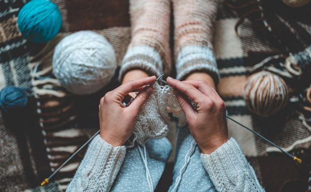 Prostovoljci so v 93 odstotkih odgovorili, da je bilo najbolj sproščujoče pletenje. FOTO: Goffkein.pro/Shutterstock