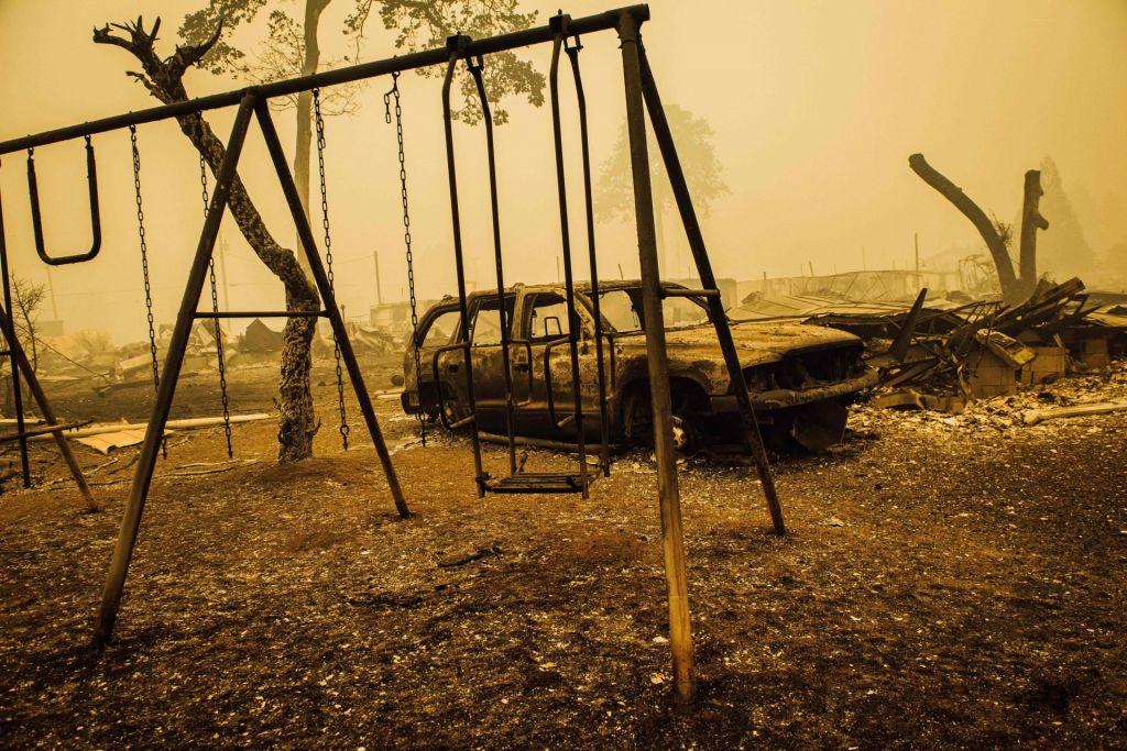 FOTO:Več kot pol milijona ljudi v ZDA beži pred požari
