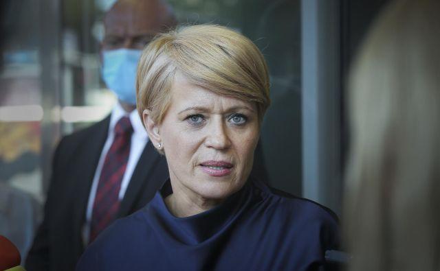 Aleksandra Pivec je ob ponujenem odstopu napovedala, da bo ponovno kandidirala za predsednico, ker verjame, da uživa dovolj podpore. FOTO: Jože Suhadolnik