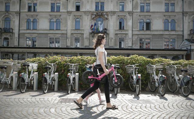 Sistem izposoje koles Bicikelj se bo širil tudi v Črnuče, Polje in proti Zalogu. FOTO: Uroš Hočevar/Delo