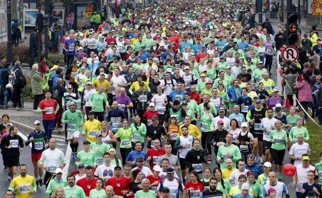Nepregledne množice na rekreativnih tekmovanjih pritrjujejo oceni, da je Slovenija pravi športni narod. FOTO: Roman Šipić