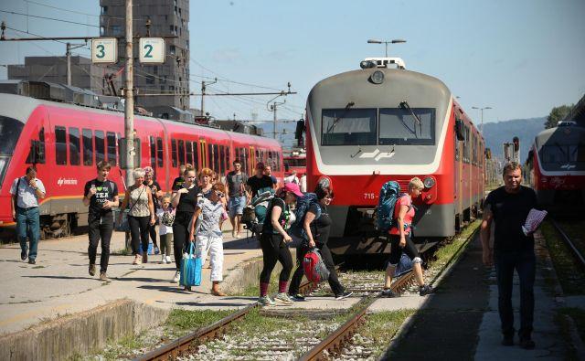 V SDH že dolgo opozarjajo, da se doseganje ciljev v strateških družbah, kot so Slovenske železnice, pogosto izključuje z doseganjem visoke donosnosti. FOTO: Jure Eržen/Delo