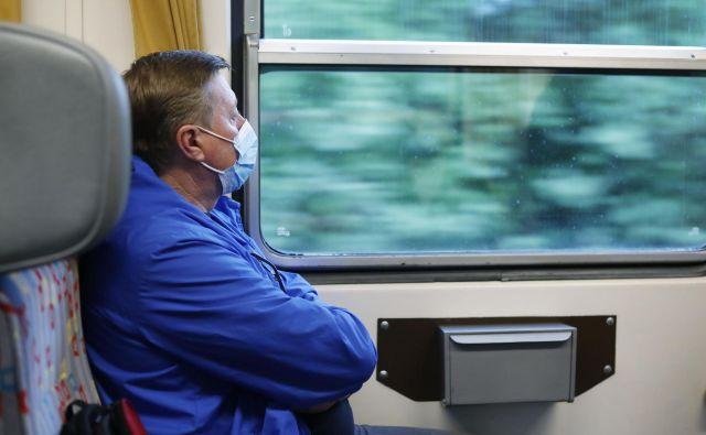 Upokojenci sporočajo, da na železniških postajah niso dobili brezplačnih vozovnic. FOTO: Leon Vidic/Delo
