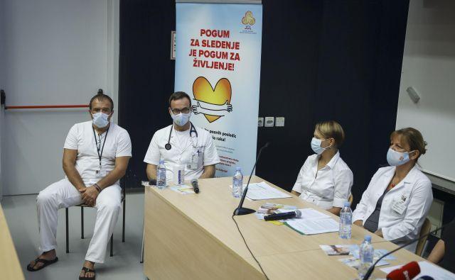 Kampanja združenja bolnikov z limfomom in levkemijo v sodelovanju z onkološkimi zdravniki se je začela danes. Foto Jože Suhadolnik