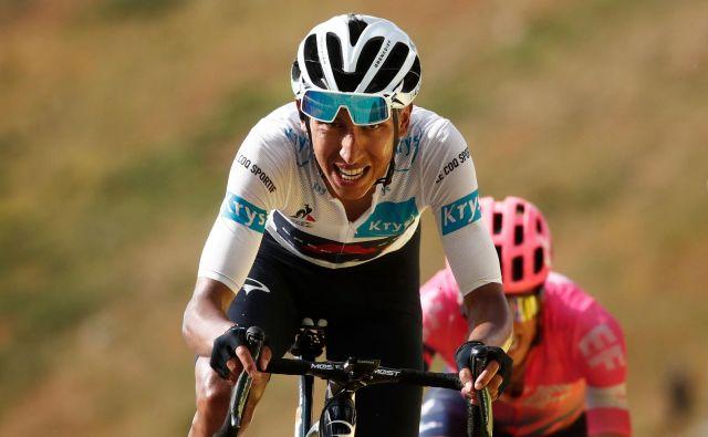 Egan Arley Bernal Gomez je lani na Touru zmagal, letos je trpljenje in nemoč sklenil z odstopom. FOTO: Benoit Tessier/Reuters