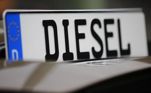 Delež dizelskih motorjev se po letu 2015 vztrajno krči; če je bil pred afero v EU kakih 55 odstotkov in so motorji imeli zelene oznake, je letos v drugem kvartalu upadel že pod 30 odstotkov. Foto Hannibal Hanschke/Reuters