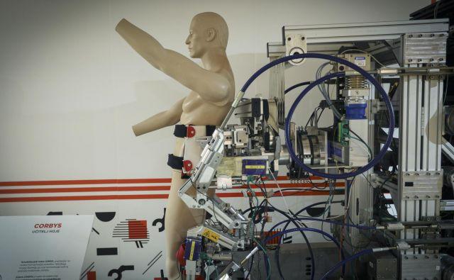 Robot.si Foto Jože Suhadolnik