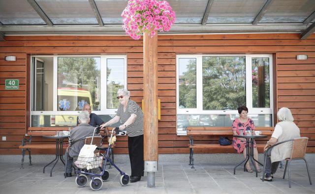 V domu starejših občanov Fužine v Ljubljani včeraj prva okužba s covid-19. FOTO: Uroš Hočevar/Delo