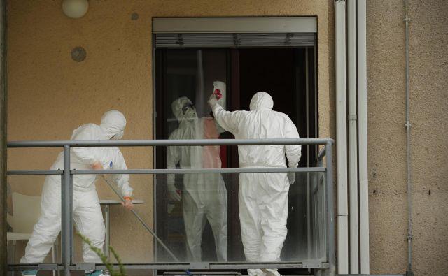 V Sloveniji je bilo potrejnih 50 novih okužb. FOTO: Jure Eržen/Delo
