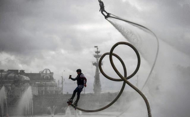 V Moskvi je potekal promocijski festival vodnih športov. FOTO: Alexander Nemenov/Afp