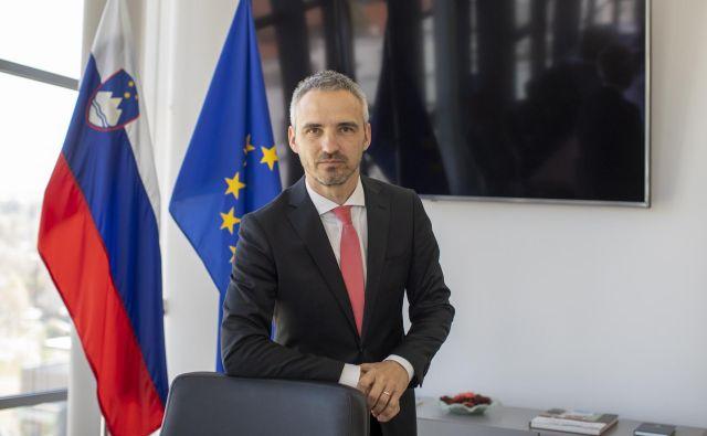 Minister za delo Janez Cigler Kralj pravi, da so z dosedanjimi ukrepi ohranili 300.000 delovnih mest. FOTO: Voranc Vogel/Delo