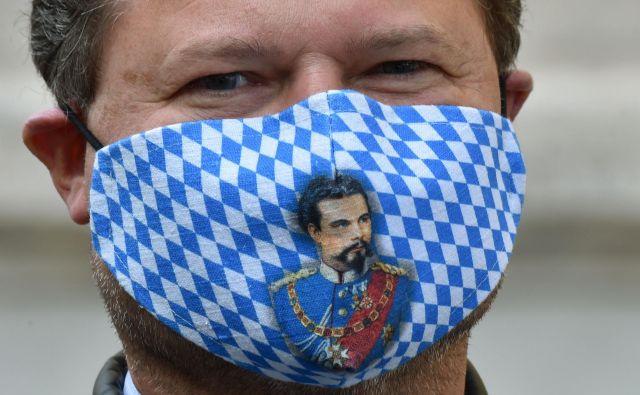 Na Bavarskem so zaostrili ukrepe za preprečitev širjenja okužbe z novim koronavirusom. FOTO: Christof Stache/AFP