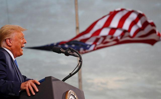 Trump je imel govor na shodu podpornikov v okviru predsedniške kampanje na letališču Cecil v Jacksonvillu. FOTO: Tom Brenner/Reuters
