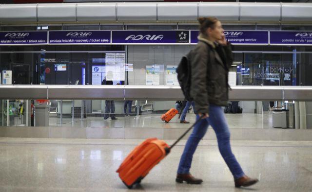 Švica je danes uvedla obvezno karanteno za potnike iz 15 držav, ki beležijo porast okužb z novim koronavirusom. FOTO:Leon Vidic/Delo