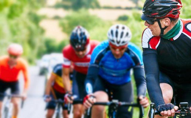 Ljudje so med epidemijo spoznali, da je gibanje zdravo, in če so se prej odpravili na izlet z avtom, so se zdaj raje s kolesom po okoliških cestah. FOTO:Shutterstock