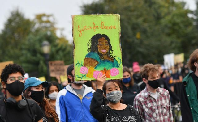 Demonstracije zaradi smrti Breonne Taylor v Brooklynu Foto Angela Weiss/AFP