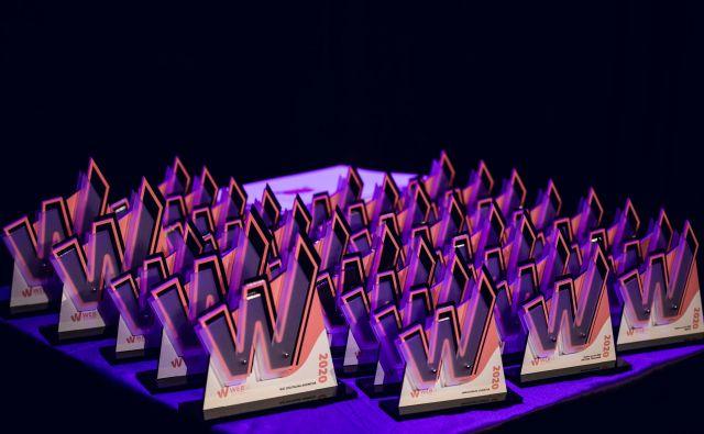 Na WEBSI dnevu – festivalu slovenskega digitalnega komuniciranja so podelili nagrade spletnim junakom. FOTO: Websi