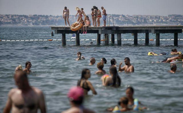 Poletne sezone v Portorožu epidemija zaradi bonov ni prizadela. Foto Blaž Samec