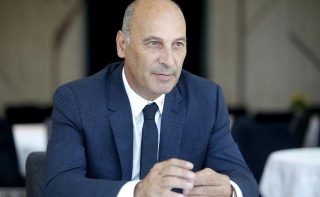 Marjan Batagelj, predsednik upravnega odbora Postojnske jame, je zelo zaskrbljen zaradi uvrstitve primorsko-notranjske statistične regije na nemški rdeči seznam. Foto Roman Šipić