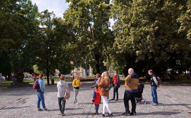 Teme sprehodov so tako pisane in raznolike, kot je pisano in raznoliko mesto, ki se ga sicer (neupravičeno) drži sloves sivega odtenka, pravijo pri Rajzefibru. FOTO: Jan Dolar