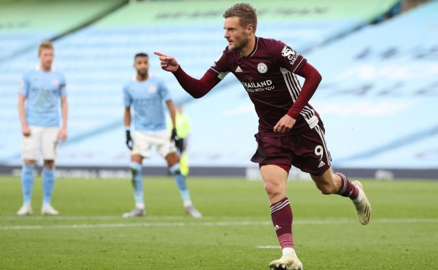 Jamie Vardy je proti Manchester Cityju dosegel kar tri gole. FOO: Catherine Ivill/AFP