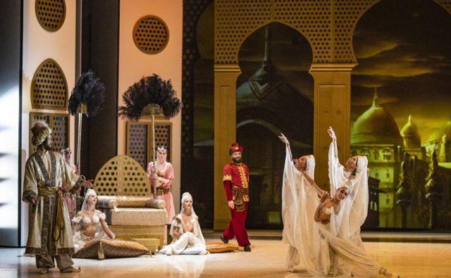 <em>Gusarja</em>, ki ga na ljubljanskem odru še nismo videli, so zaupali izjemnemu španskemu plesalcu in koreografu Joséju Carlosu Martínezu. Foto Darja Štravs Tisu