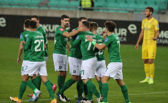 Nogometaši Olimpije so se veselili tesne zmage nad Goričani. FOTO: Jože Suhadolnik