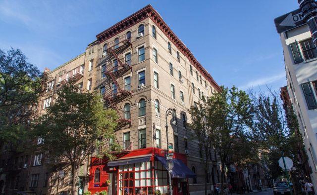 Stavba v New Yorku, kjer je domnevno Monicino in Chandlerjevo stanovanje. FOTO: Raquel Rodr/Shutterstock