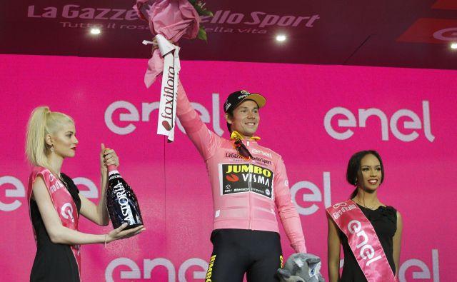 Primoža Rogliča, ki je lani nosil rožnato majico na Giru in ga nato končal na 3. mestu, letos ne bo na štartu. FOTO: Leon Vidic/Delo