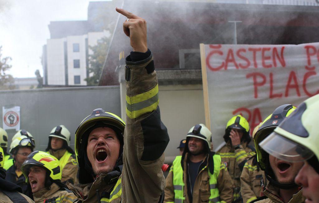 Gasilci napovedali opozorilno stavko za sredino januarja