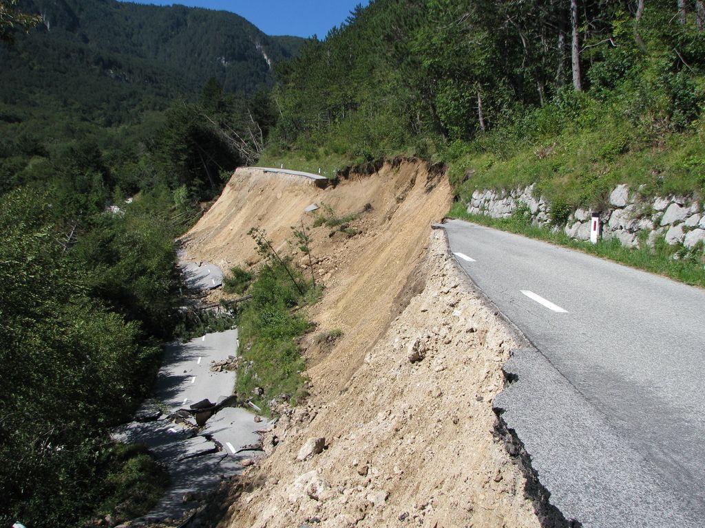 Zaradi plazu iščejo novo traso ceste Lokavec-Predmeja
